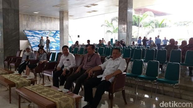 Ubah Image Lembaga Antikritik, DPR Gelar Lomba Stand Up Comedy