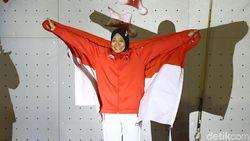 Aries Susanti Sabet Emas dan Pecahkan Rekor Dunia Panjat Tebing
