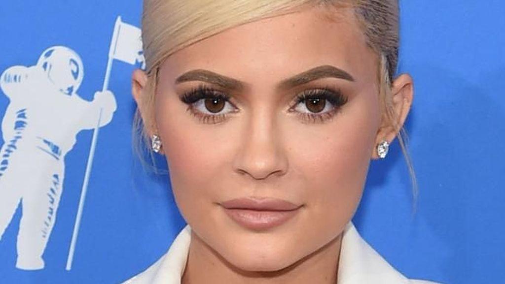 Paling Banyak Like di Instagram: Telur Kalahkan Kylie Jenner!