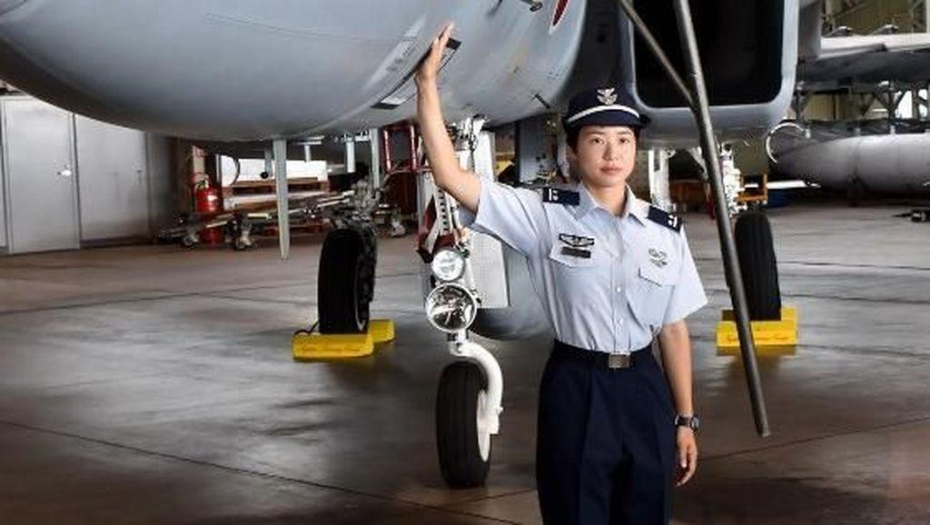 Pertama Kali! Jepang Punya Pilot Jet Tempur Perempuan