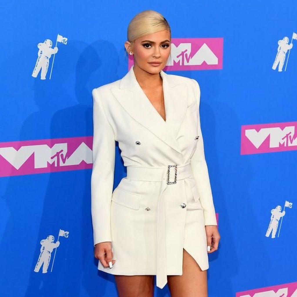 Kylie Jenner Ungkap Sebuah Kejutan, Hamil Lagi?