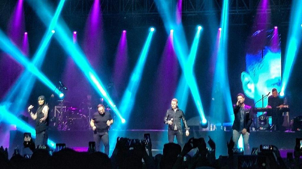 Konser Terakhir di Indonesia Sebelum Bubar, Boyzone Memukau