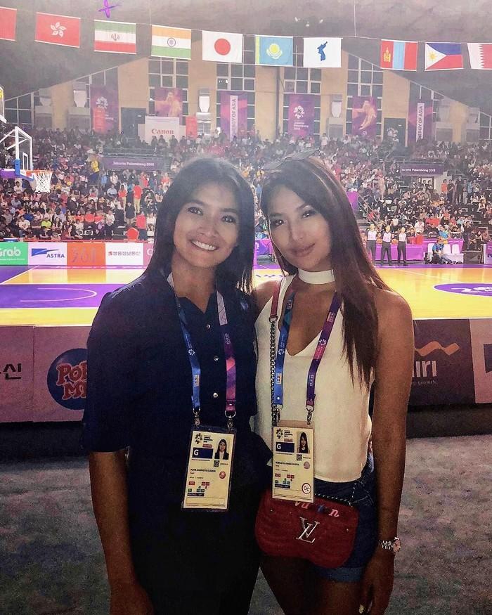 Ya, wanita kelahiran Palembang itu kerap memberi dukungan bagi para atlet. Foto: Instagram/mariaselena_