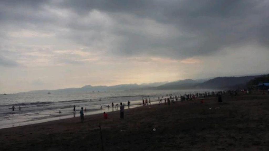 5 Pesona Pelabuhan Ratu, Pantai Eksotis di Sukabumi