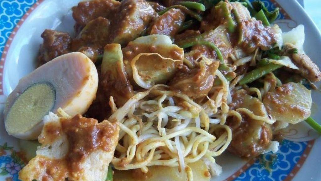 Cirebon, Antara Wisata Batik dan Kuliner