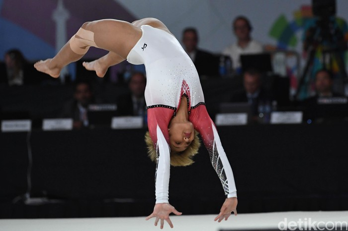 Cabang senam kembali menyumbang medali buat Indonesia di Asian Games 2018. Medali perak dari Rifda Irfanalutfi menjadi yang teranyar.