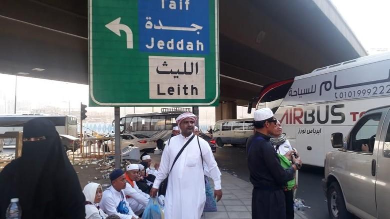 Banyak Jemaah Haji Diturunkan di Pinggir Jalan, PPIH Lapor Naqabah