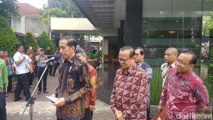 Foto: Presiden Jokowi di kantor Konferensi Wali Gereja Indonesia, Menteng, Jakarta Pusat. (Jordan-detikcom)