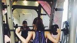 Di luar desas-desus hubungannya dengan Kevin Sanjaya, Maria Selena adalah pecinta olahraga. Tak hanya cantik, Maria juga memiliki tubuh seksi ideal.