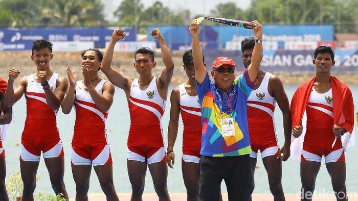 Tim dayung putra menyumbang medali emas bagi Indonesia di Asian Games 2018. (Foto: Rachman Haryanto)