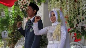 Viral, Pengantin Nyanyi Lagu Indonesia Raya dan Mars NU Jelang Akad