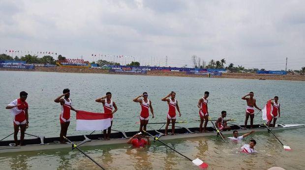 Tim dayung kelas ringan delapan putra raih emas di Palembang.