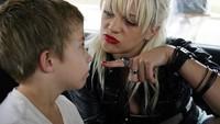 Pacar Anthony Bourdain itu memang pernah beradu peran dengan Jummy pada tahun 2004 lalu sebagai ibu dan anak.Dok. Imdb