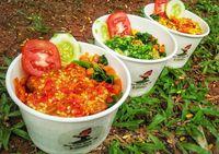 Yuk, Cicip Rice Bowl Ayam Saus Telur Asin hingga Betutu Enak di Tempat Ini!