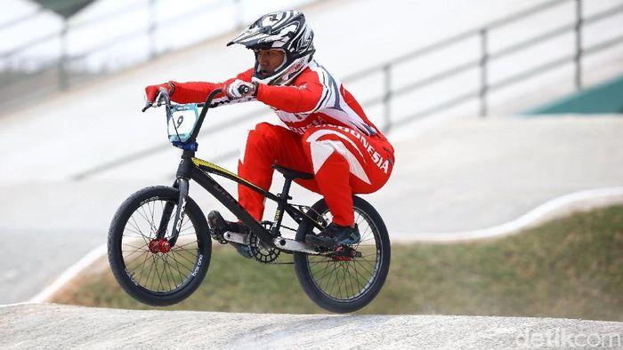 Ilustrasi olahraga BMX (Grandyos Zafna/detikSport)