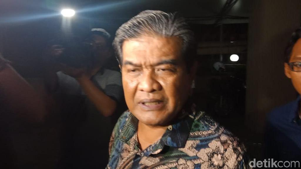 Fariz RM Terjerat Sabu, Istri-Pengacara Sambangi Polres Jakut