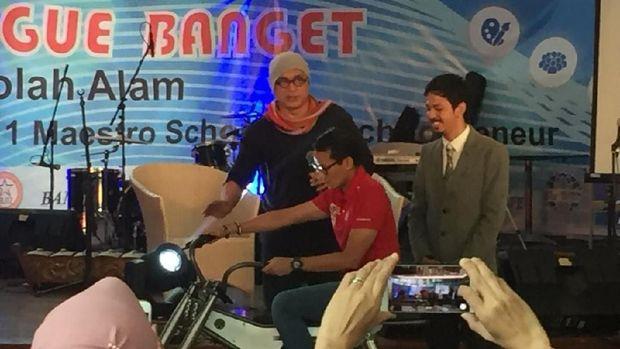 Sepeda listrik merk Owl merupakan produk karya salah satu wisudawan bernama Irfan Burhaduddin Anwar.