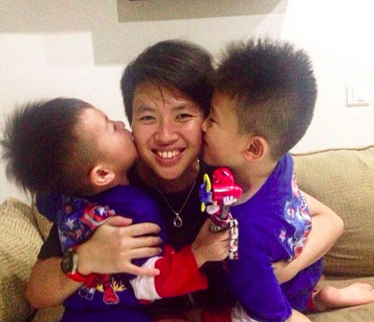 Ini Liliyana Natsir bersama dua keponakan laki-lakinya, Rafael dan Kenzo. (Foto: Instagram/ @natsirliliyana)