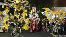 Warna Warni Cahaya Kediri Nite Carnival Pukau Warga