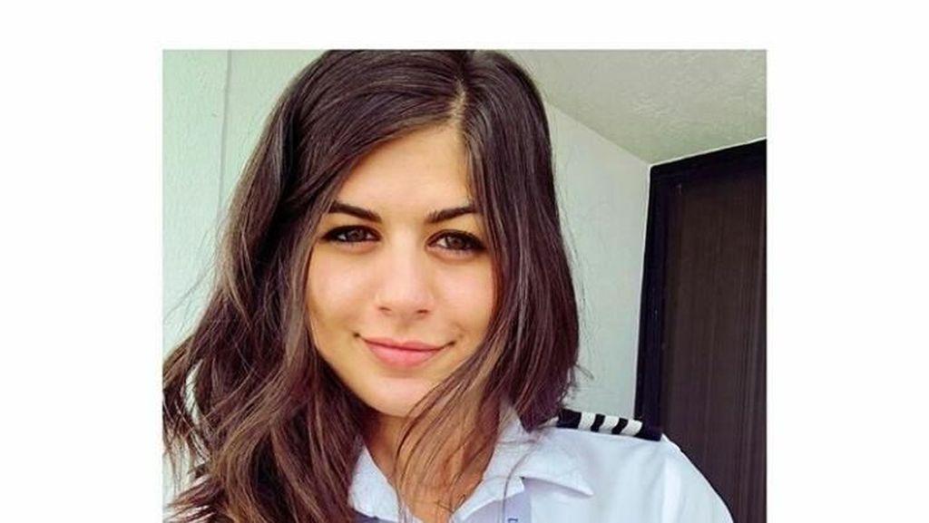 Terpikat Pesona Dilan, Pilot Cantik yang Buat Pria Ingin Ikut Terbang