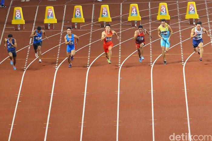 Dalam persaingan heat 1 di Stadion Utama Gelora Bung Karno (SUGBK), Senayan, Sabtu (25/8), Lalu bersaing dengan tujuh sprinter lain.