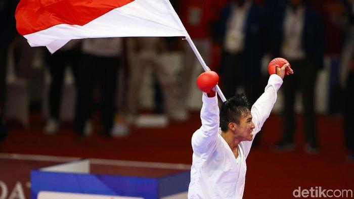 Rifki Ardiansyah Arrosydiid mempersembahkan emas di Asian Games 2018 dari cabang karate untuk Indonesia (Foto: Grandyos Zafna)