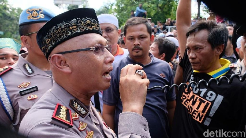 Amankan Demo Mahasiswa di Pekanbaru, Polwan Jadi Korban Pelecehan