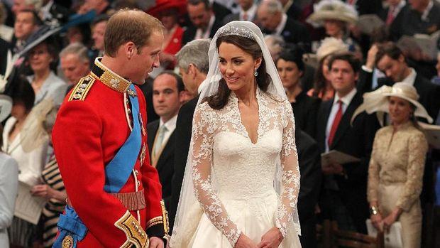 So Pretty! Gaun Pengantin Kimberly Ryder Mirip yang Dipakai Kate Middleton