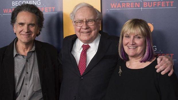 Warren Buffet Boleh Panik, Investor Saham Indonesia Beda Gaya