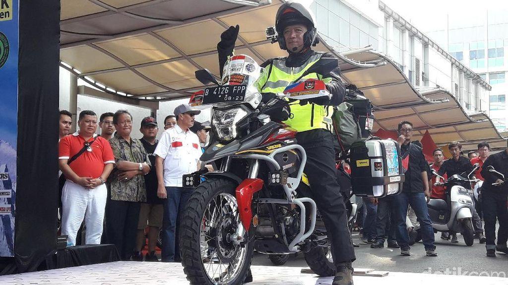 Kemenhub Lepas Goenadi Solo Riding Jakarta-Himalaya