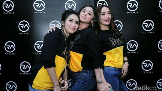 Inikah Trio Cecepi Baru, Dewi Persik Gantikan Mendiang Jupe?