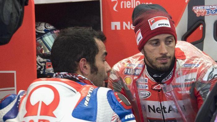 Dua pebalap Ducati, Andrea Doviioso dan Danili Petrucci. (Foto: Mirco Lazzari gp/Getty Images)
