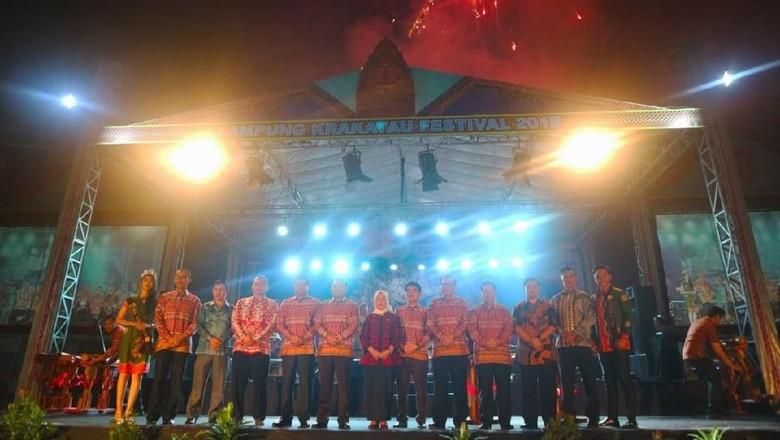 Perhelatan malam puncak Lampung Krakatau Festival 2018 (dok Kemenpar)