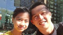 Taufik Hidayat dengan Putrinya yang Nempel Terus Kayak Prangko