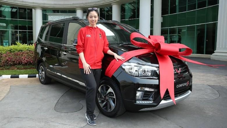 Wuling Confero S untuk Lindswell Kwok (Foto: Dok. Wuling Motors Indonesia)
