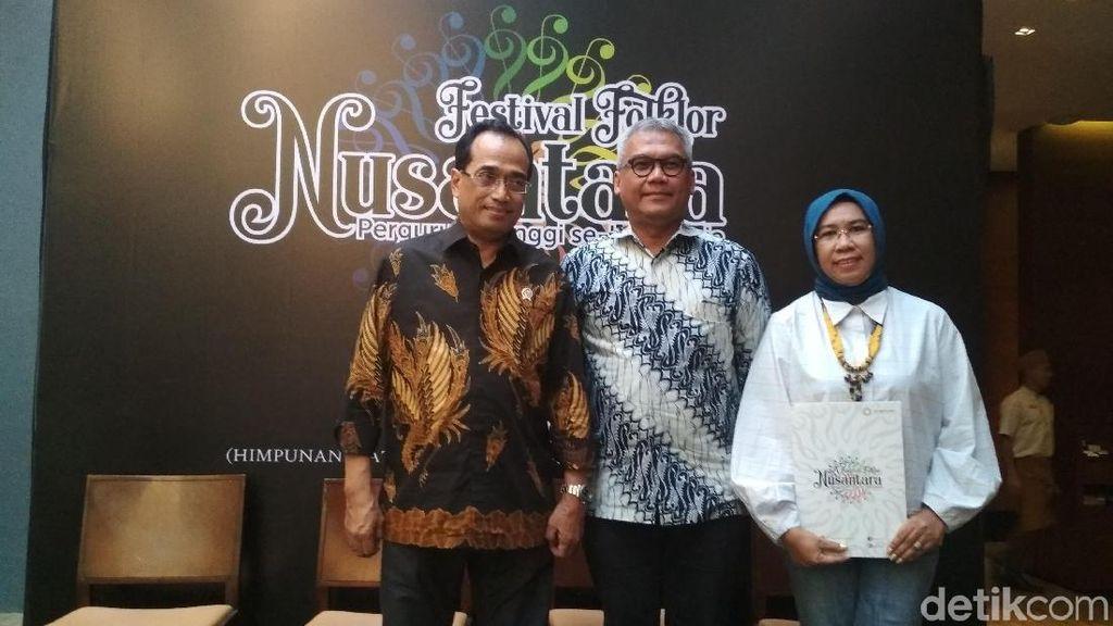 Peringati 90 Tahun Sumpah Pemuda, HIMPUNI Gelar Festival Folklor Nusantara