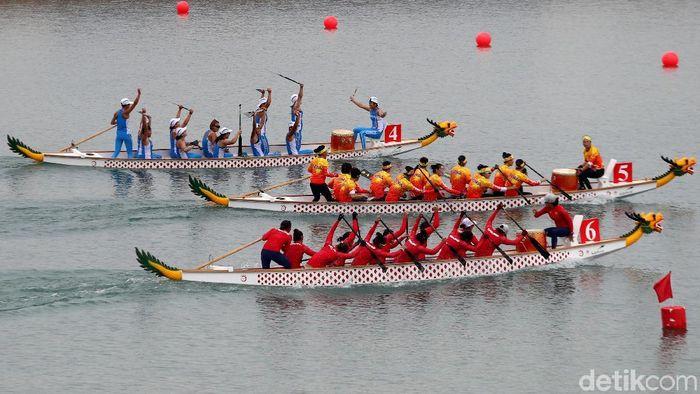 Perahu naga persembahkan dua perak dan satu perunggu (Rachman Haryanto/detikcom)