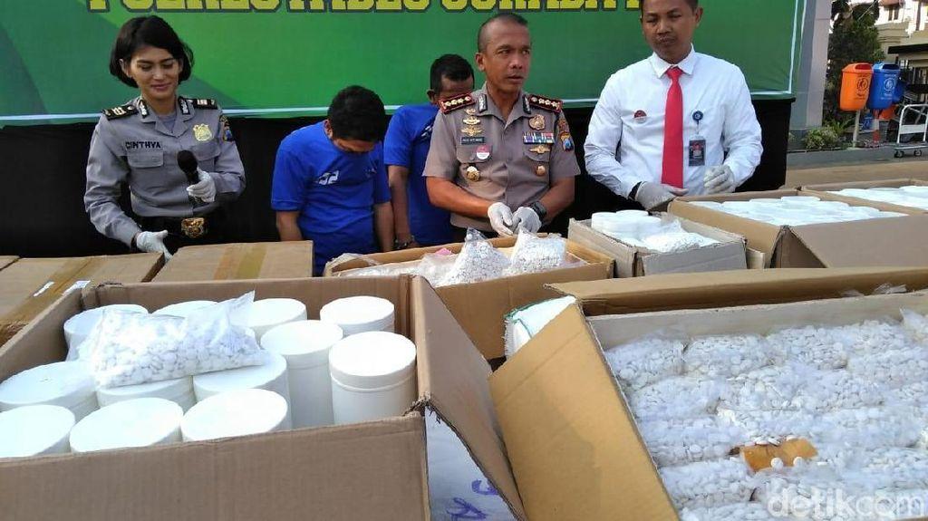 7 Juta Obat Terlarang Senilai Rp 15 Miliar Disita Polisi di Surabaya