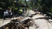 Jalan di Banjarnegara Longsor, Petani Salak Bingung Bawa Hasil Panen