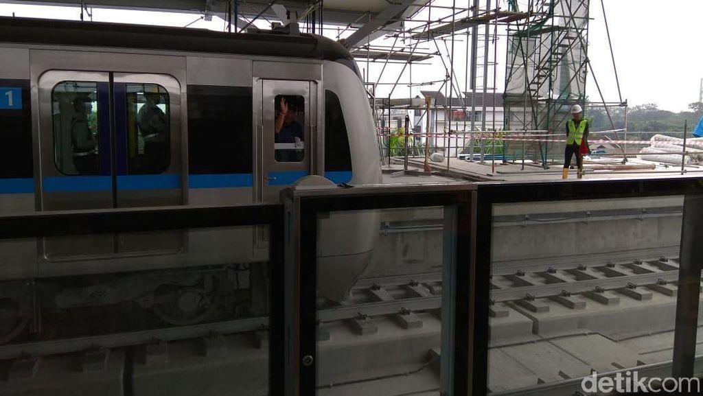 Tarif MRT Jakarta Rp 8.500 atau Rp 10.000/ 10 Km, Pilih Mana?