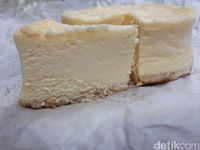 Creamy dan Lembut, Ini Konditorei Cream Cheese Cake dari Kobe