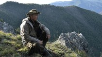 Sebelum Rapat, Putin Mendaki Gunung Siberia Bersama Para Pejabat