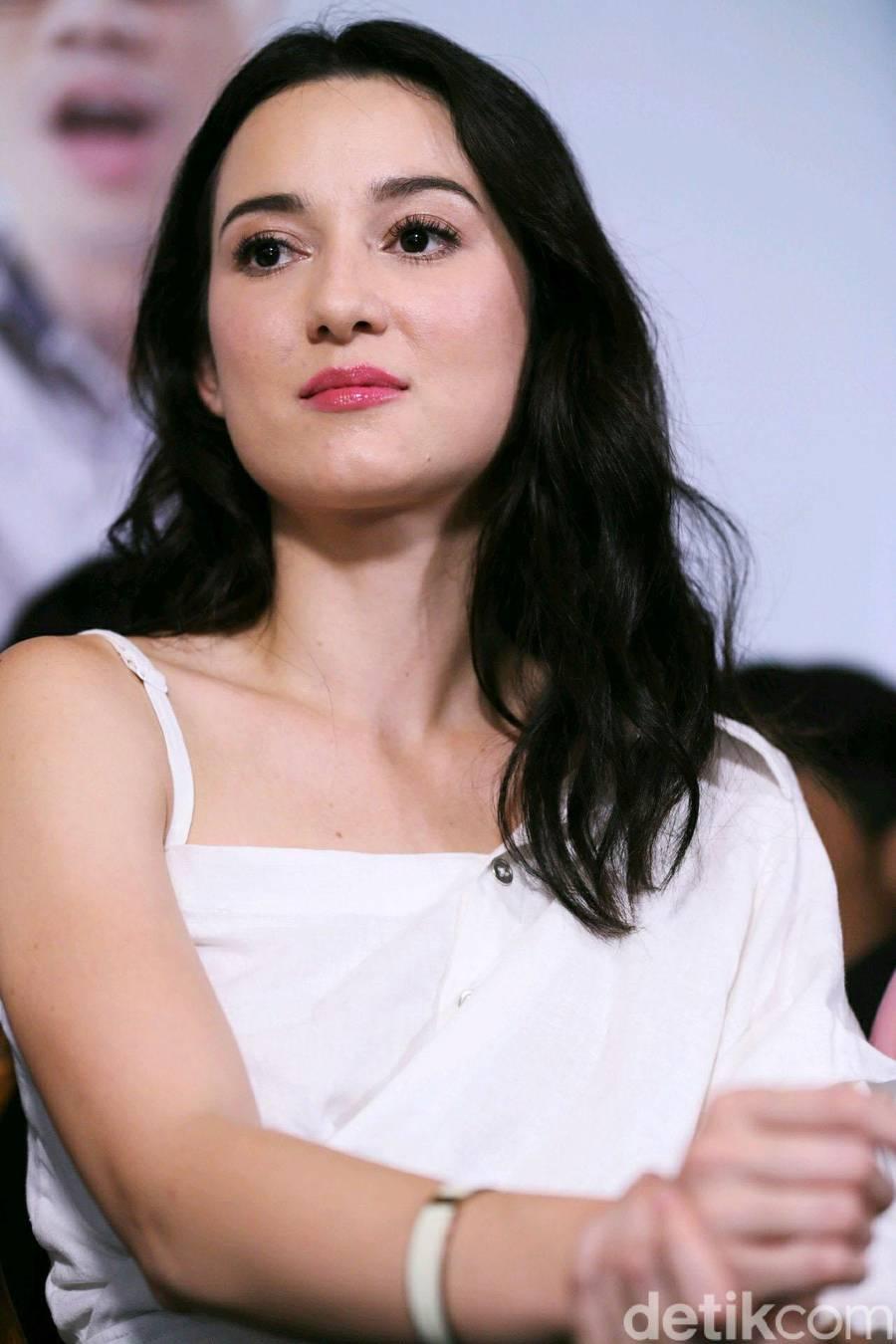 Julie Estelle yang Selalu Bikin Kangen - Foto 2