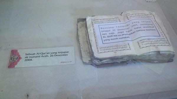 Bayt Al Quran dan museum Istiqlal merupakan kesatuan dari dua lembaga yang berbeda. Bayt Al Quran yang berarti rumah Al Quran memiliki ruang pameran soal seni Islam dari dalam dan luar negeri. (Yetie Herawati/dTraveler)