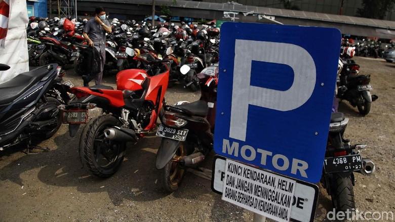 Parkir motor Foto: Pradita Utama