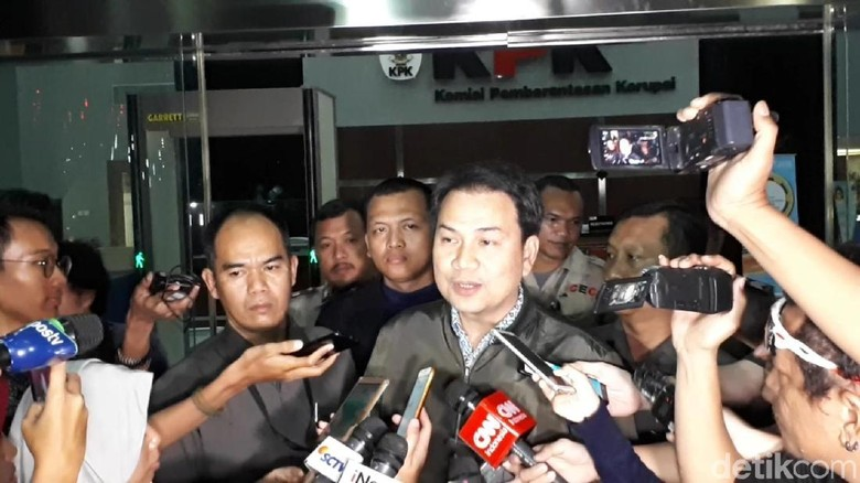 Usai Diperiksa KPK, Azis Syamsuddin Mengaku Tak Pernah Bahas RAPBN-P
