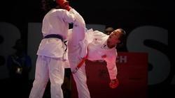 Srunita Sari Sukatendel adalah salah satu atlet Karate Indonesia di Asian Games 2018. Parasnya yang cantik menyempurnakan skill dan kebugaran fisiknya.
