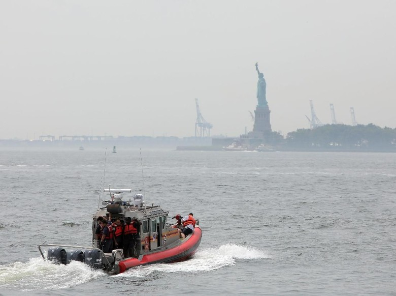 Terjadi Kebakaran, 3 Ribu Pengunjung Patung Liberty Dievakuasi