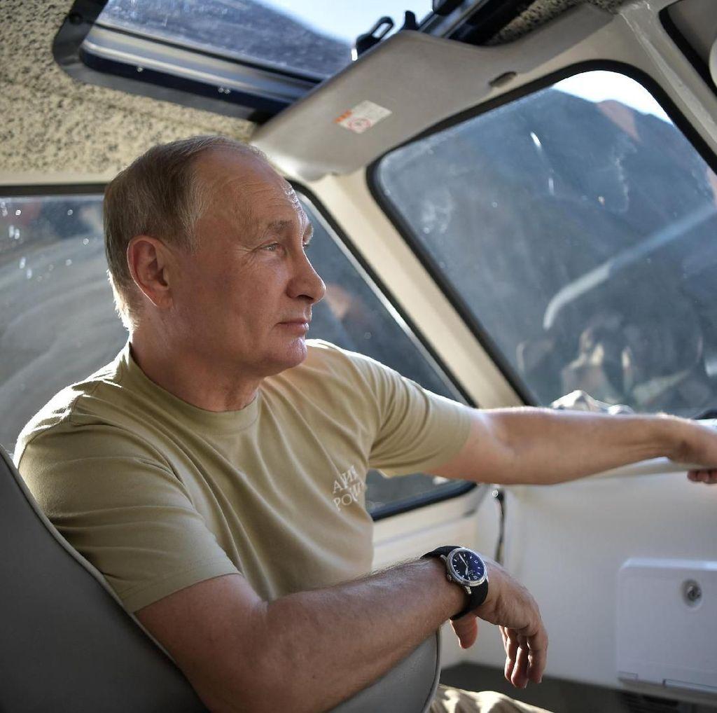 16 Tahun Jadi Agen Intelijen, Begini Sepak Terjang Putin di KGB