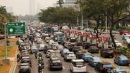 Walaupun Jalanan Macet, Masih Sedikit Orang RI yang Punya Mobil